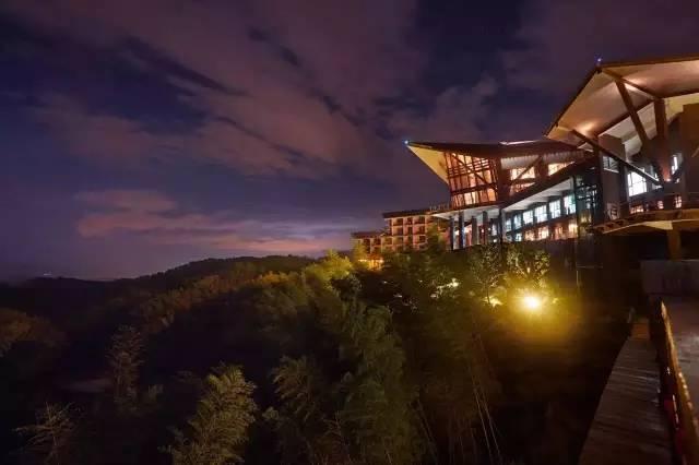 福州世茂云上鼓岭位于鼓岭国家风景区内,中国四大避暑胜地之一.